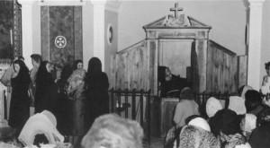 Padre Pio Confesando
