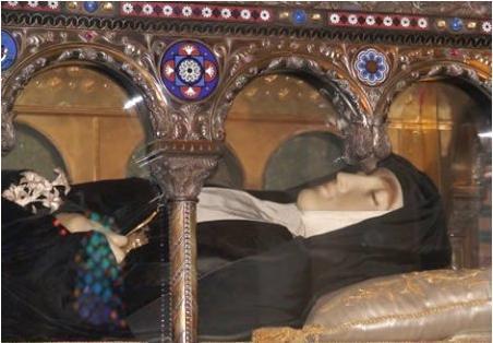 Santa Margarita María Alacoque incorrupta
