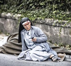 Monja superviviente terremoto de Italia (ft img)
