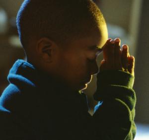 Niño orando (ft img)
