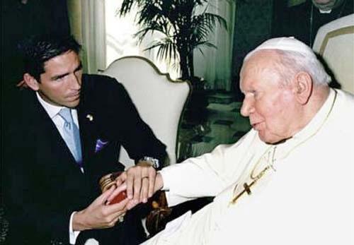 Jim Caviezel y Juan pablo II
