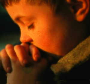 niño rezando (ft img)