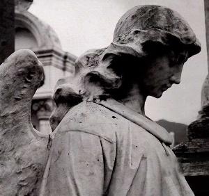 Ángel cementerio (ft img)